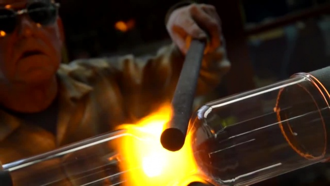 artisan with glass products manufacture