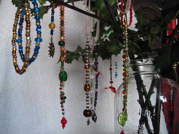 20091201 ornaments display04