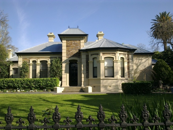 a mansion in adelaide