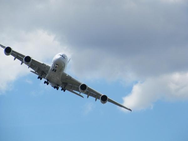 aircraft airbus a380