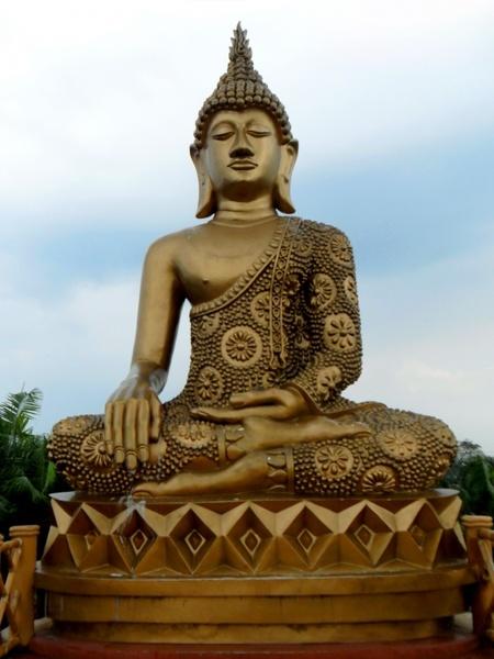 buddha statue sky free stock photos in jpeg jpg 2736x3696 format