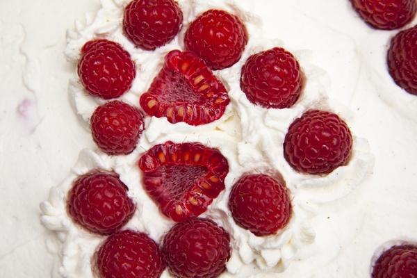 cake heart cake cream cake