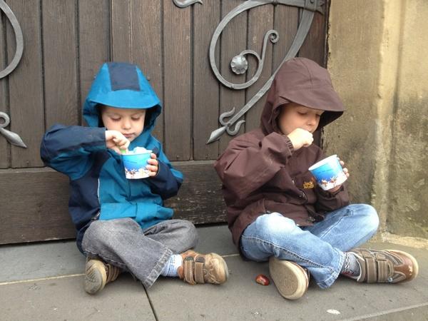 children eating ice cream door