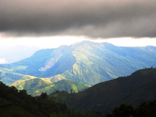 chorro el indio and mountains