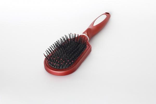 comb hair beauty