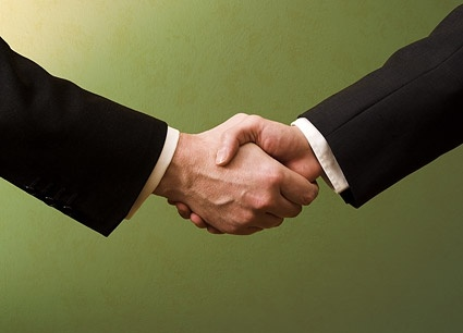 cooperation handshake picture