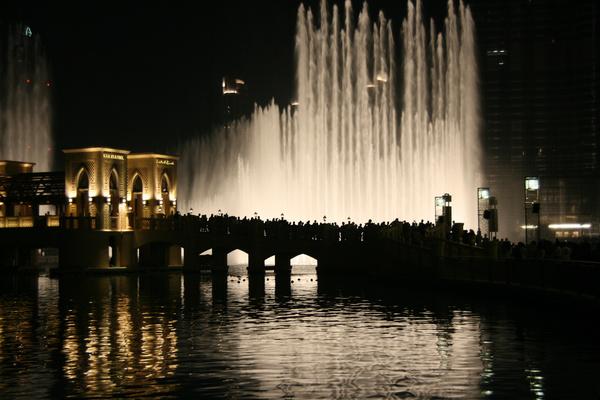 dubai fountain 1