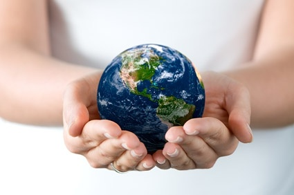 hands holding the earth picture