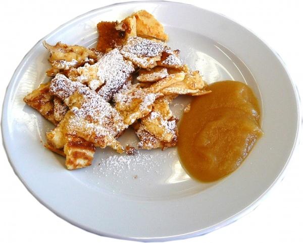 kaiserschmarrn sweet dish pancake