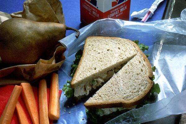 lunch chicken salad sandwich bread