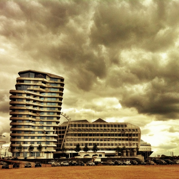 marco polo tower hamburg harbour city