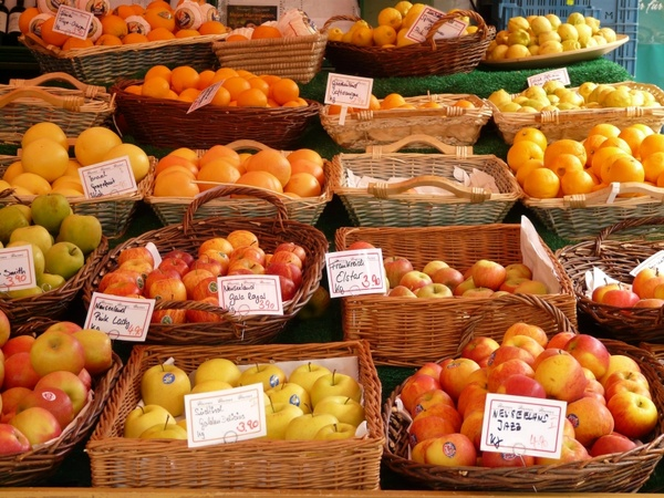 market food fruits