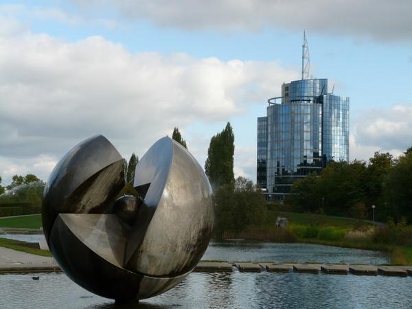 Christbaumkugeln Modern.Modern Art Ball Fountain Free Stock Photos In Jpeg Jpg 3264x2448