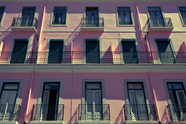 pink windows lisbon