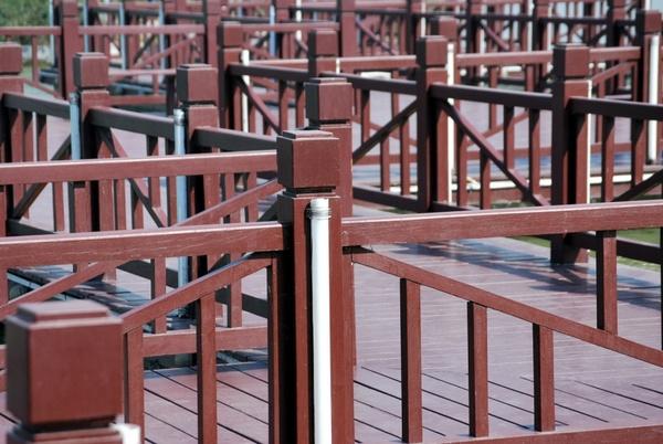 railing maze