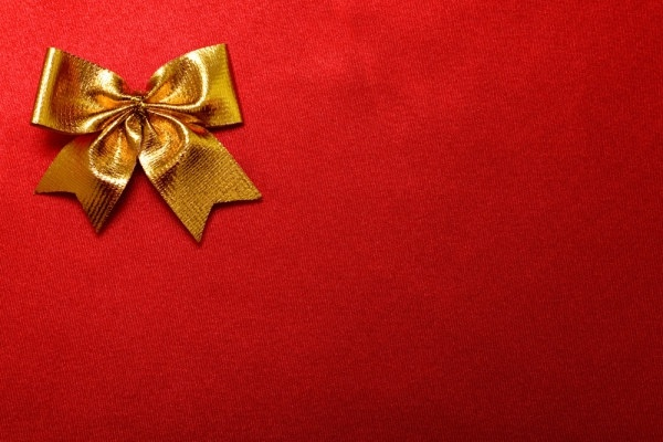 red cloth with gold bow and hd picture