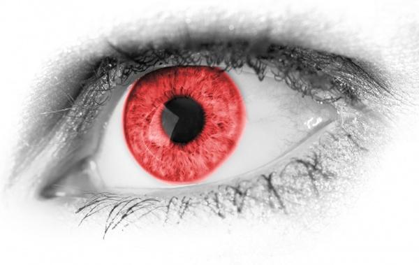 red eye detail