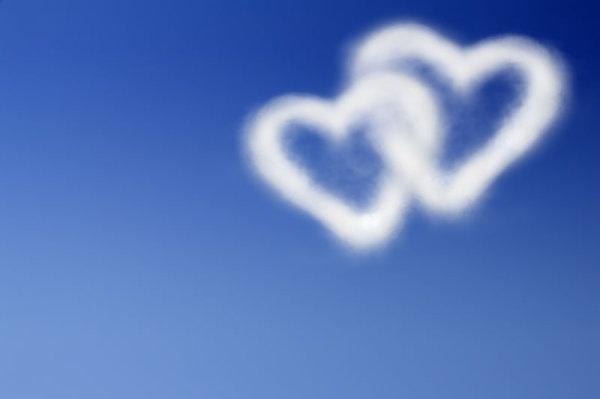 romantic heartshaped white clouds highdefinition picture 02