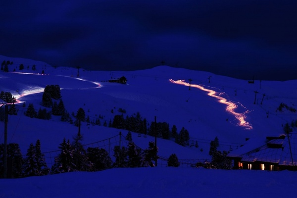 skiing with lights