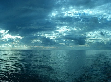 sky picture on the sea