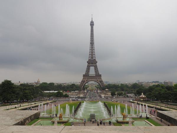 the eiffel tower from jardins du trocadro