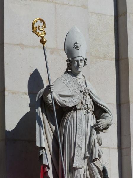 vergilius st statue salzburg cathedral vergilius
