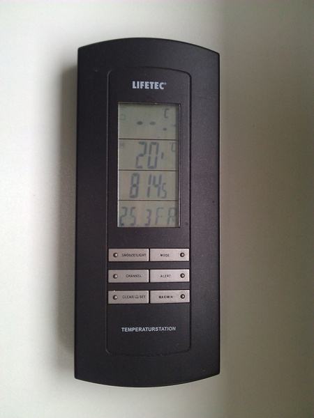 weather station with calendar