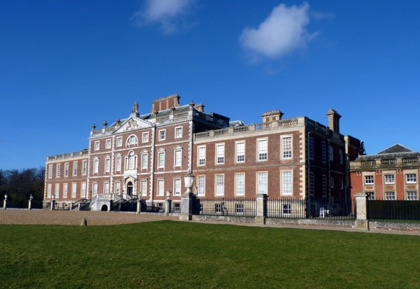 wimpole hall front