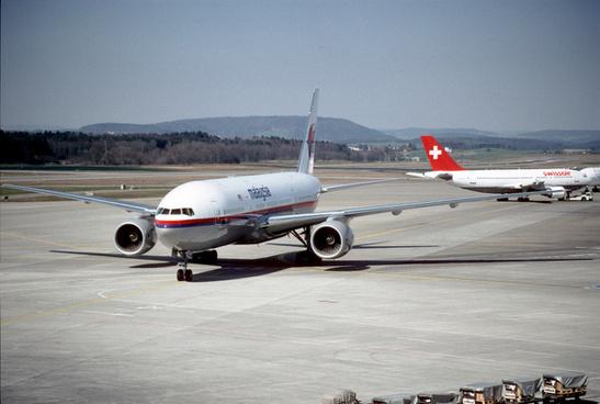 15bv malaysia airlines boeing 777 2h6er 9m mrezrh22031998