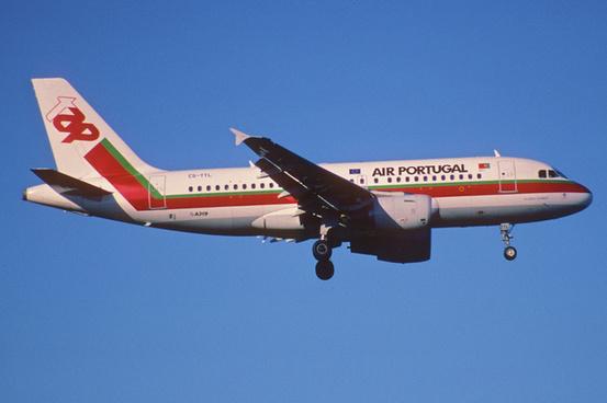 176bm tap air portugal airbus a319 111 cs ttlzrh30042002