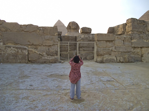 20111104 egypt 1254 giza sphinx photographer