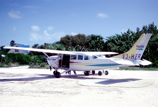 256ab maya island air cessna 207a stationair 8 ii v3 herckr06082003