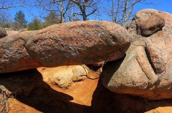 a balanced rock at elephant rocks state park