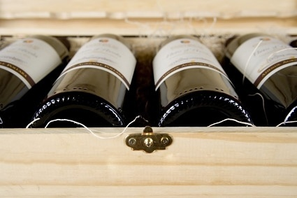 a box of red wine picture