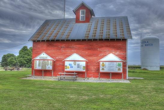 a farmhouse at hawkeye point iowa