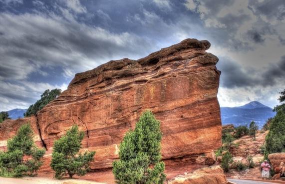 a large rock at garden of the gods colorado