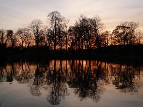 abendstimmung river trees