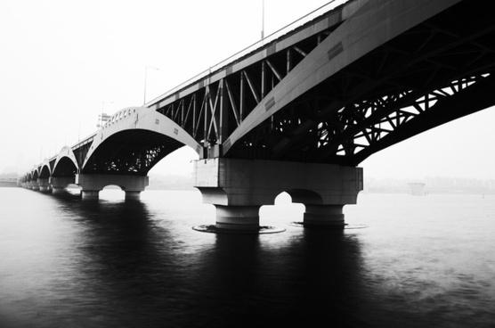 across river han