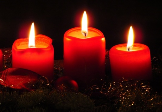 advent wreath candles flame