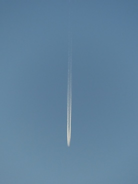 aircraft fly contrail