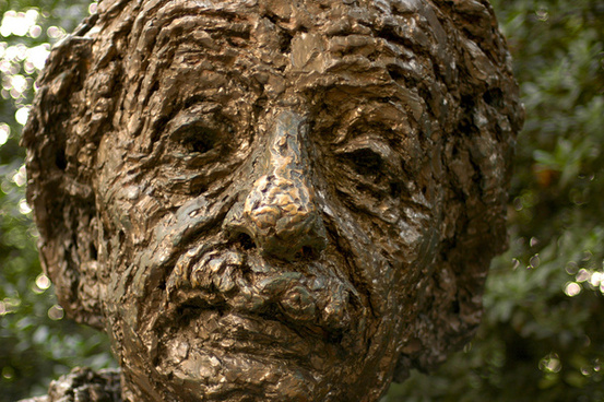 albert einstein memorial statue