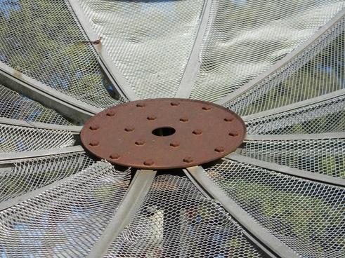 antenna rust iron