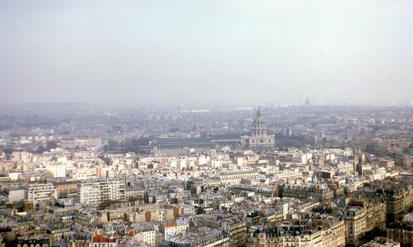april in paris 1