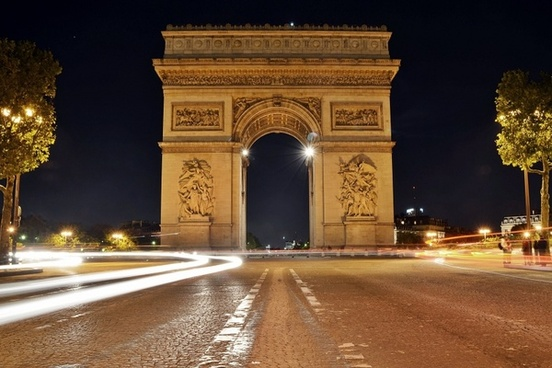 arc de triomphe paris night shot