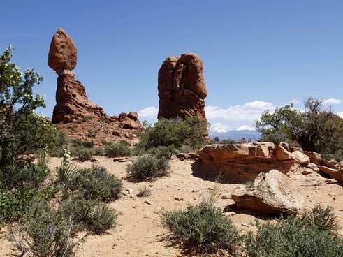 arches national park utah balanced rock