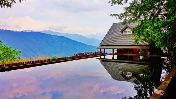 architecture autumn bridge building fall hotel lake