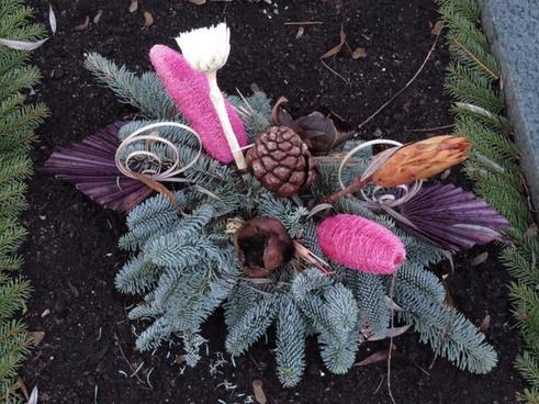 arrangement cemetery wreath