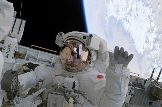 astronaut wave soichi noguchi