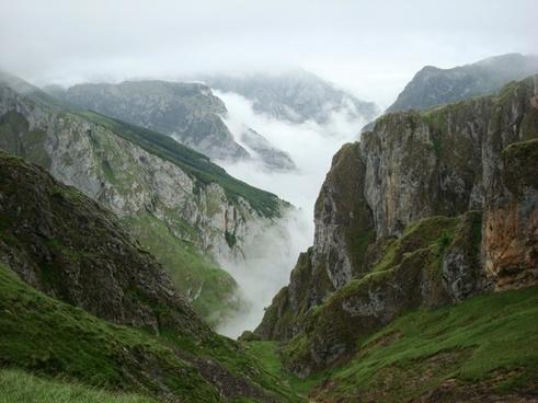 asturias ascension urriellu peak