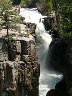 athabasca falls rocky mountain canada